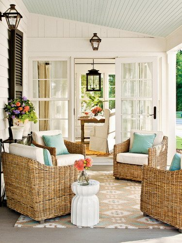 Wicker-furniture-small-farmhouse-front-porch-furniture-ideas (1)