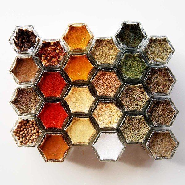 space-saving-spice-jars-600x600