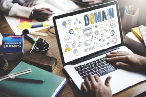 Choosing A Domain Name – 27 Tips From The Pros