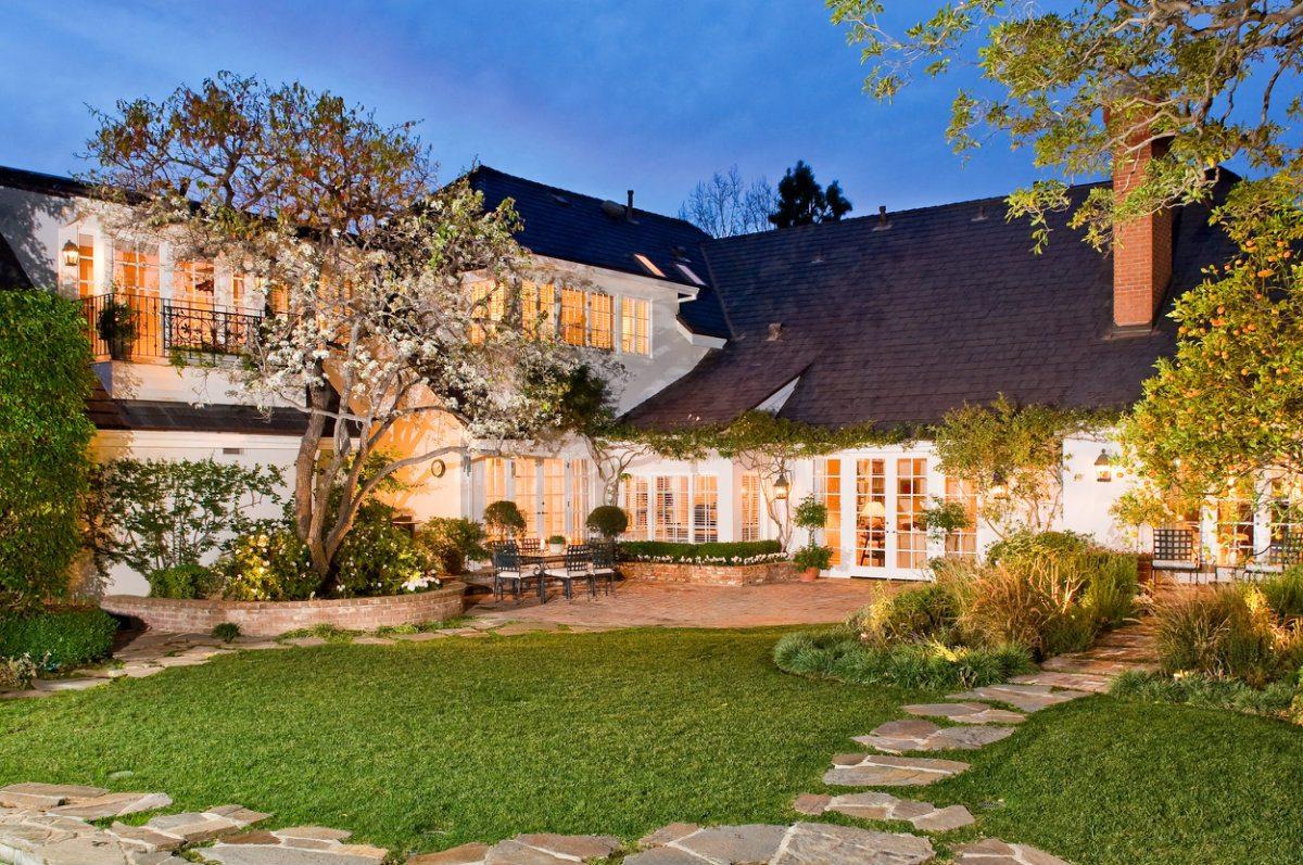 shooting-la-real-estate-listing-photography