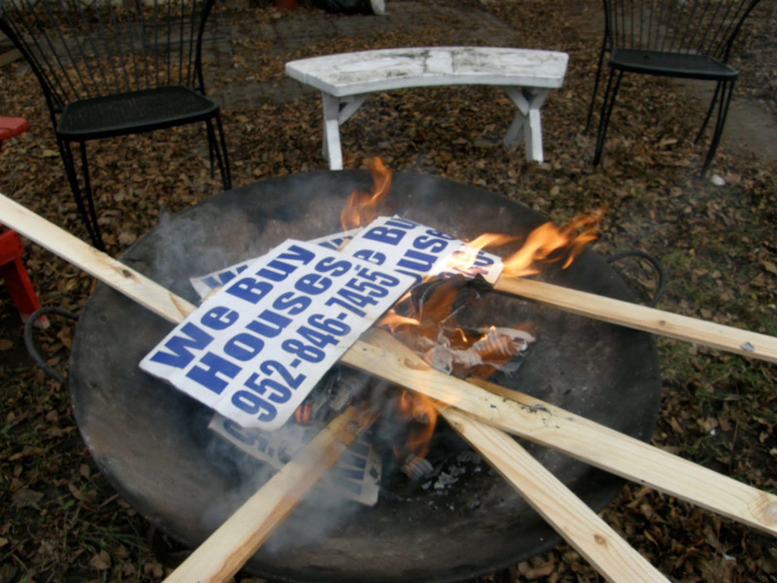 bandit signs article- sign BBQ