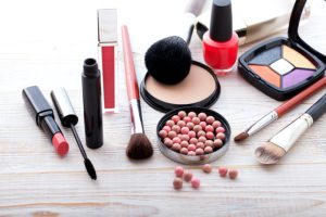 How To Sell Private Label Cosmetics in 5 Easy Steps