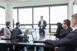 How to Run An Effective Sales Meeting & Achieve Your Targets
