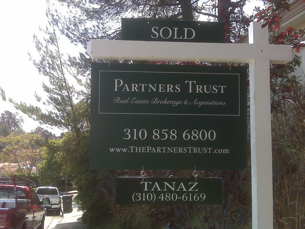 Tanaz Akhlaghi, Partners Trust - Real Estate Signs
