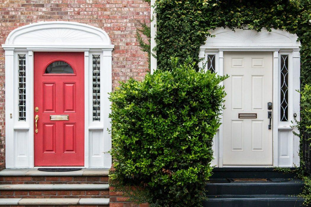 Real estate door hangers leads from front door marketing for 10000 door hangers