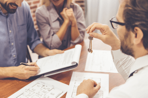 25 Tips for Choosing a Realtor from the Pros
