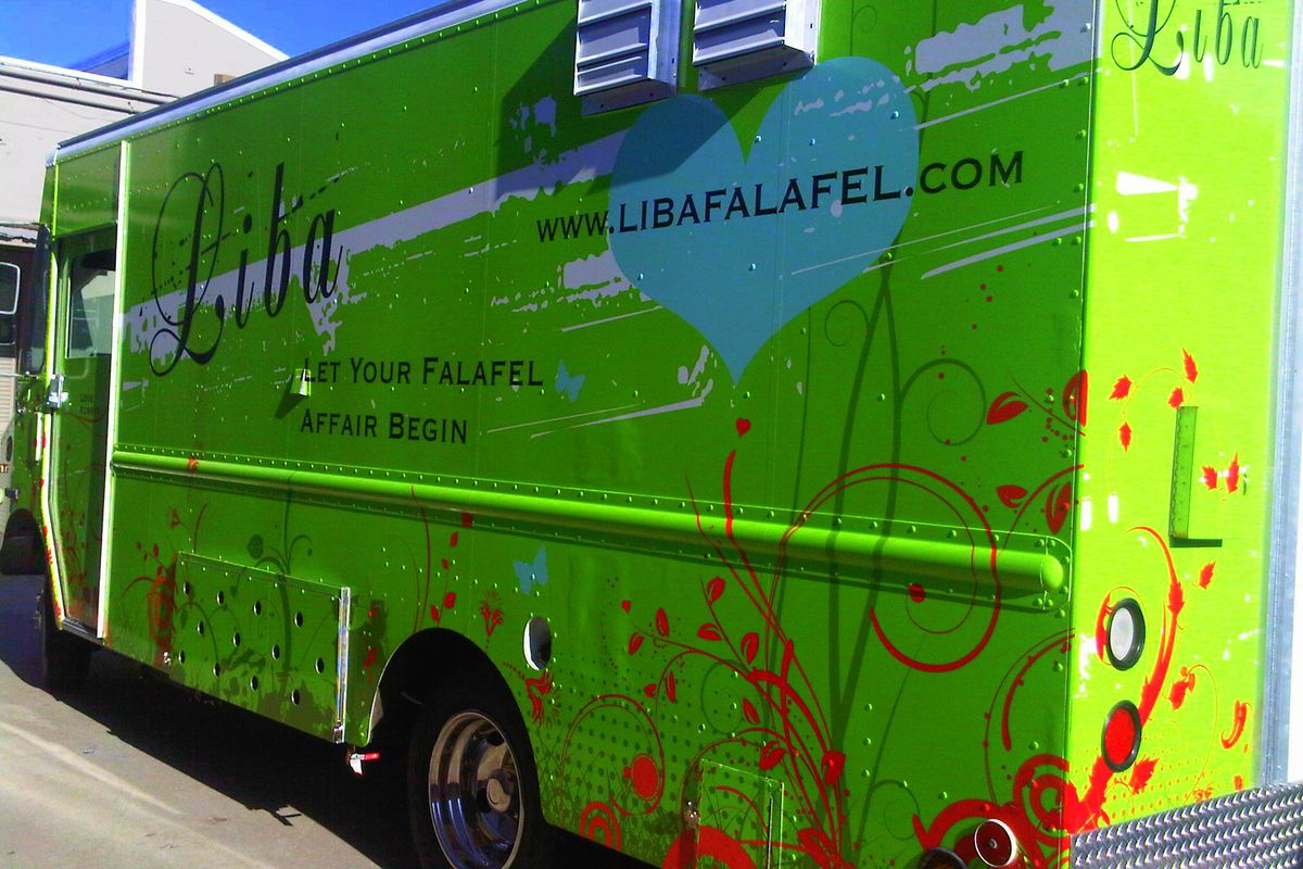 Food truck wrap design example