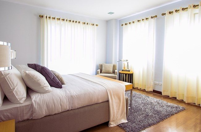 home staging guest bedroom