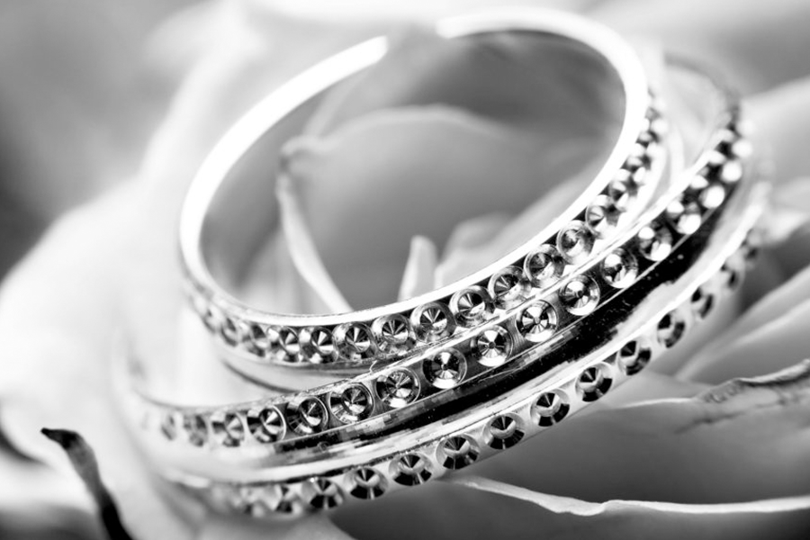 Top 25 Jewelry Marketing Ideas From The Pros