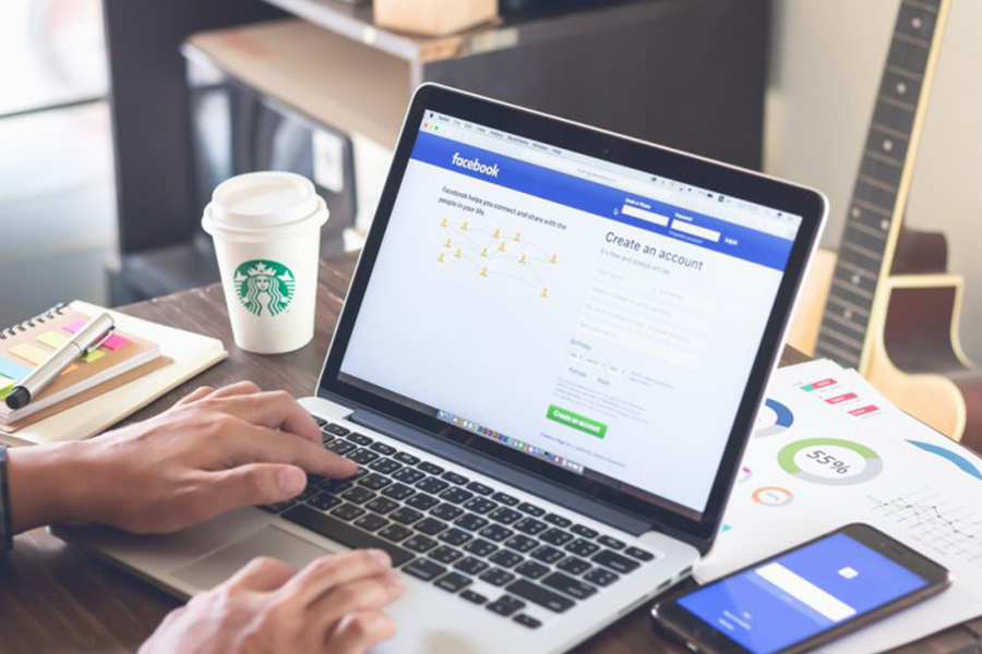 40 Facebook Marketing Tips from the Pros