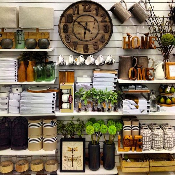 Store layout - display fixture tips