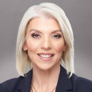 Brenda Di Bari - luxury real estate marketing