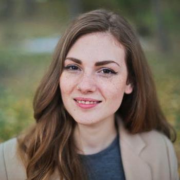 Elizabeth Bradshaw, Owner, Canvas Art - food blogging tips