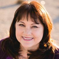 Liz Pedro - Top Customer Service Influencers of 2019