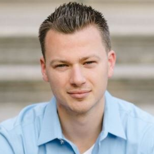 Headshot of Ryan Forrest, Sales Executive & Consultant, The Shark of Sales