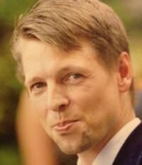 headshot of Keno Hellmann, CEO & Founder, SelbststaendigKite.de