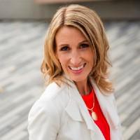 headshot of Paula Onysko, Money & Business Coach for Entrepreneurs