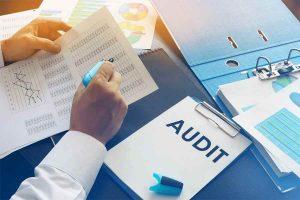 Man Auditing