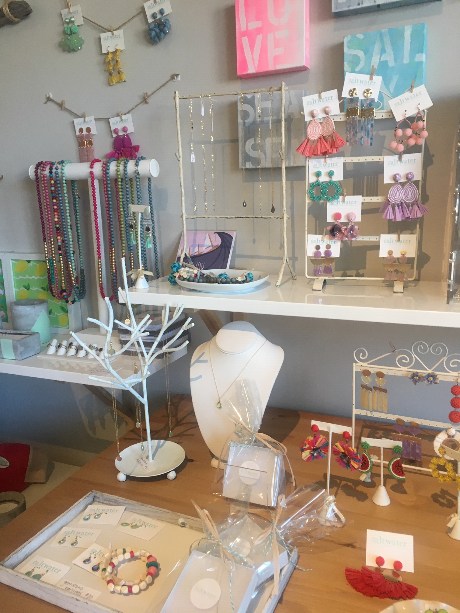 an example of Visual Merchandising with jewelry
