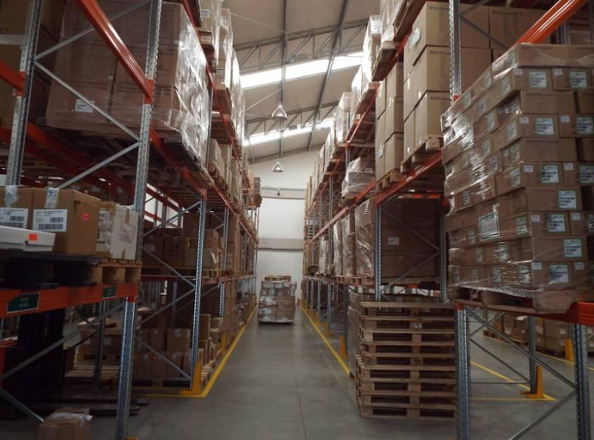 Heavy-duty storage pallet racking