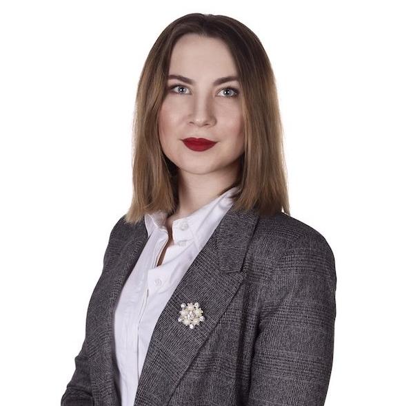 Alena Piksaeva, Editor of Surf