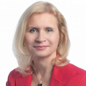 Gerri Detweiler, Head of Education for Nav - Cash back vs points