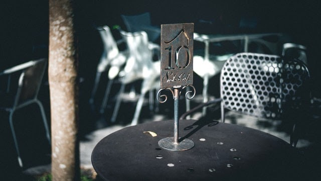 Table number on stand