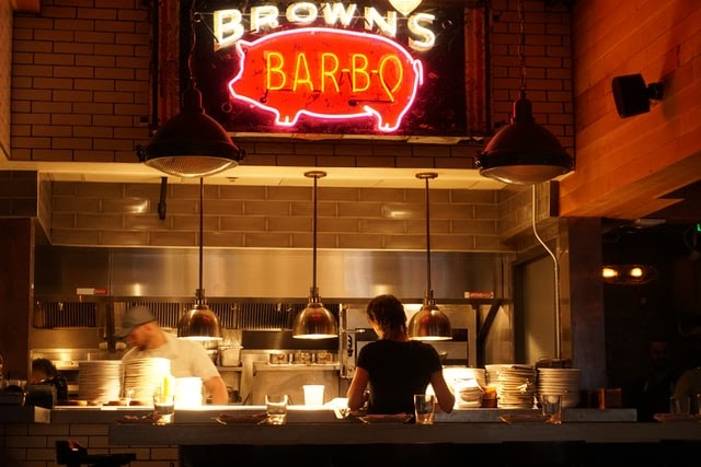 brown's bar-b-q kitchen