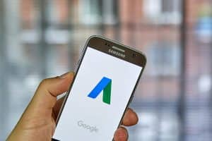 Samsung phone with Google on Screen