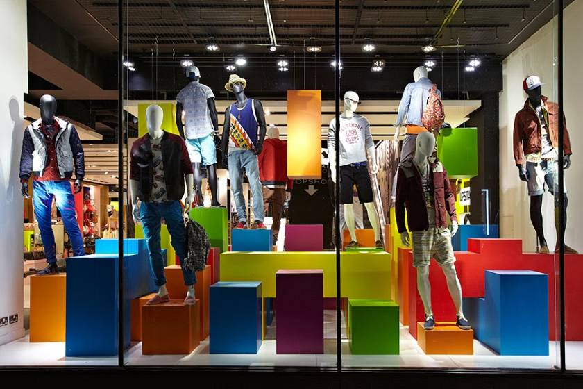 Store Window Men Outfit Display