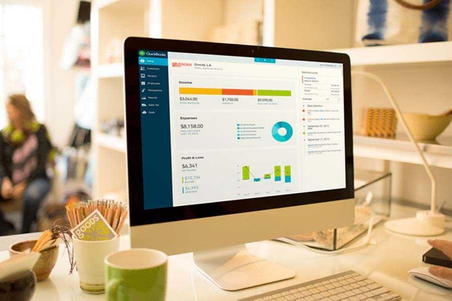 QuickBooks Online Dashboard on Computer Screen