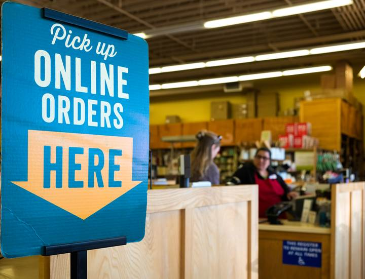 'Online Orders Pick Up' sign