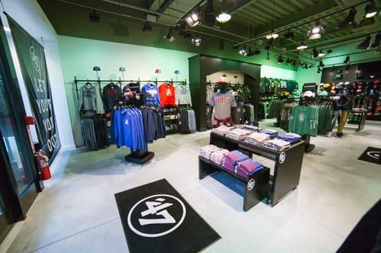 Screenshot of men's clothing store