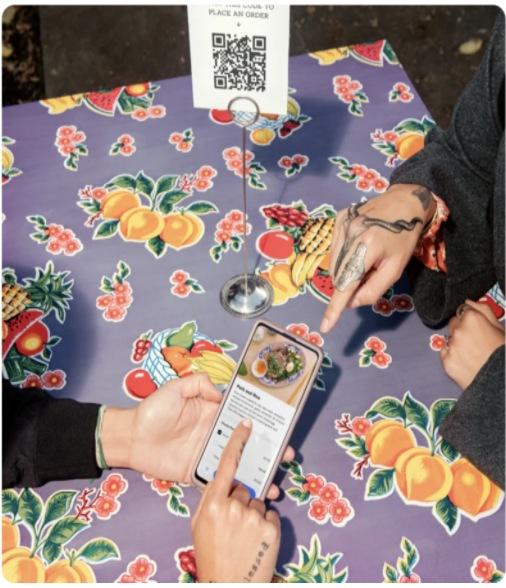QR-Code Ordering Using Smartphones Like Mini-kiosks