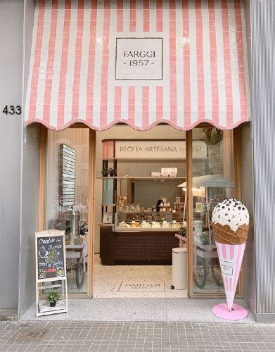 Screenshot of an Ice Cream Store